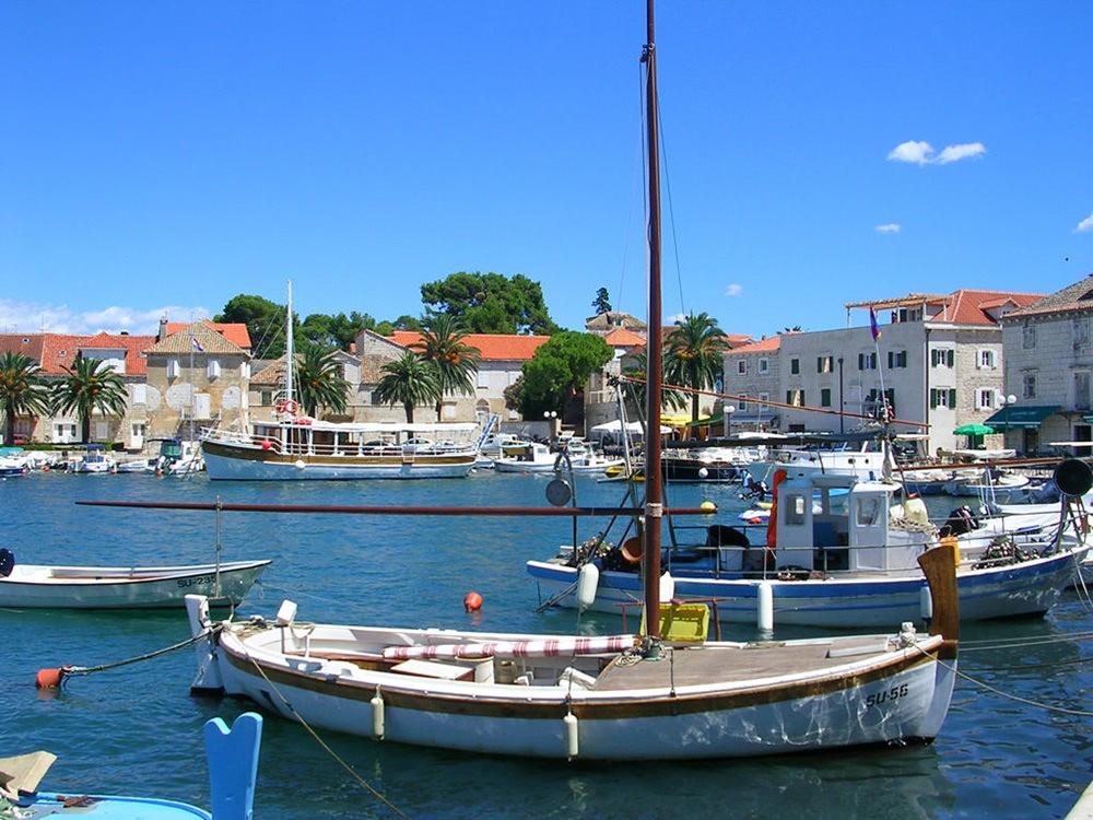 Vitorlás hajó bérlés Horvátország