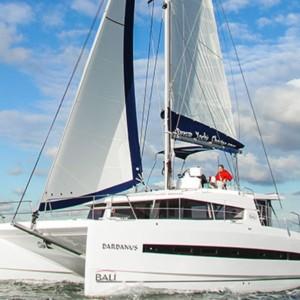Bali 4.3 Horvátország,  hajóbérlés,  Adria,  katamarán bérlés