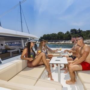 Bali 4.3 katamarán bérlés,  katamarán bérlés Horvátországban,  hajóbérlés az Adrián,  hajóbérlés Horvátország
