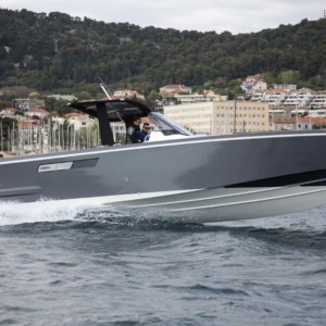 Fjord 36 Open motoros hajó bérlés,  hajóbérlés az Adrián,  luxusnyaralás,  hajóbérlés Adria