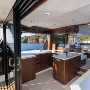 Galeon 500 Fly hajó ,  luxusnyaralás,  yacht bérlés,  hajóbérlés Horvátország