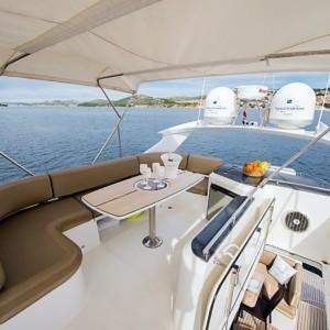 Galeon 640 Fly hajó ,  hajóbérlés az Adrián,  luxusnyaralás,  Adriai tenger