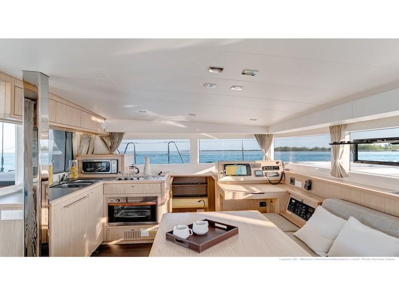 Lagoon 39 katamarán ,  luxusnyaralás,  Horvátország hajóbérlés,  Adriai tenger