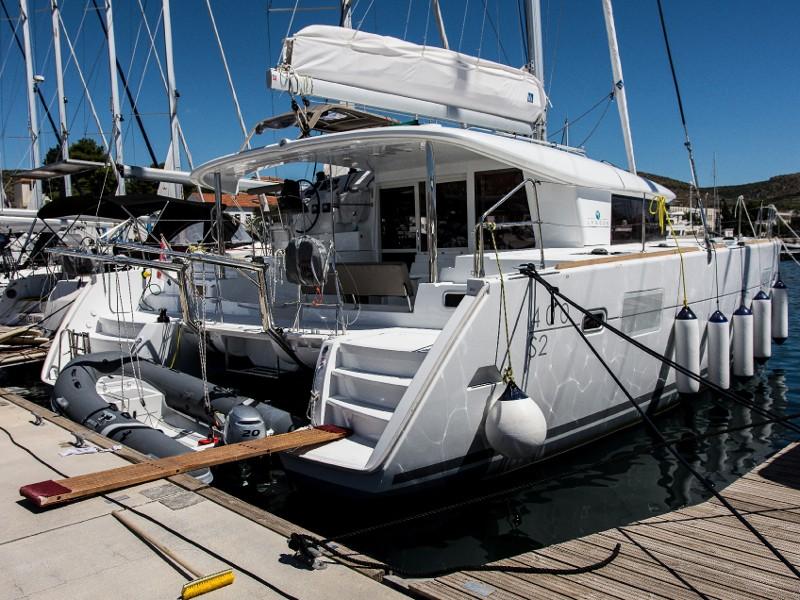 Lagoon 400 S2 Adria,  luxusnyaralás,  yacht bérlés,  hajóbérlés Adria
