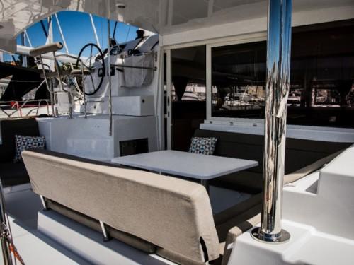 Lagoon 400 S2 hajóbérlés az Adrián,  luxusnyaralás,  Horvátország hajóbérlés,  katamarán bérlés