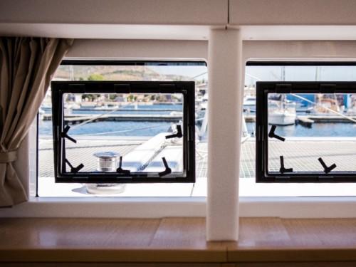 Lagoon 400 S2 katamarán ,  hajóbérlés az Adrián,  yacht bérlés,  Adriai tenger
