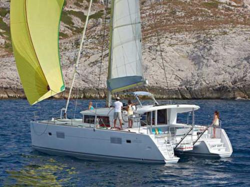 Lagoon 400 S2 katamarán bérlés,  katamarán bérlés az Adrián,  hajóbérlés Adria,  Adriai tenger