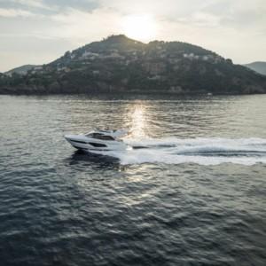 Manhattan 52 hajó bérlés,  luxusnyaralás,  hajóbérlés Horvátország,  hajó bérlés
