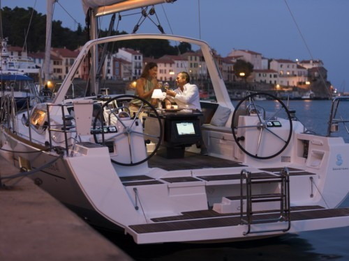 Oceanis 41 vitorlás ,  vitorlás bérlés az Adrián,  Horvátország hajóbérlés,  hajóbérlés Adria