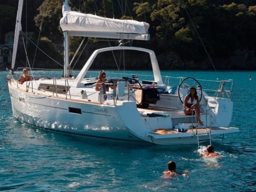 Oceanis 45 hajóbérlés az Adrián,  hajóbérlés,  yacht bérlés,  hajóbérlés Horvátország