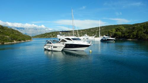 Motoros csónak bérlés Horvátország